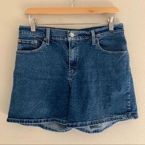 Levi's // Denim Shorts